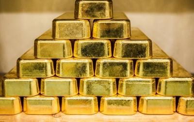 Золото  рекордно подорожчало за останні шість років