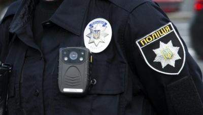 """У поліції розповіли деталі """"різанини"""" у спальному районі Чернівців"""