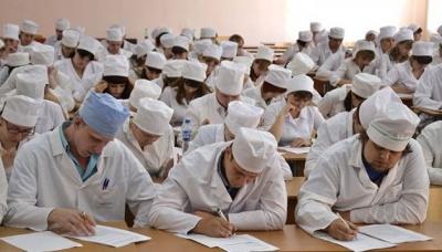 Супрун похвалила Буковинський медуніверситет за здачу міжнародного іспиту