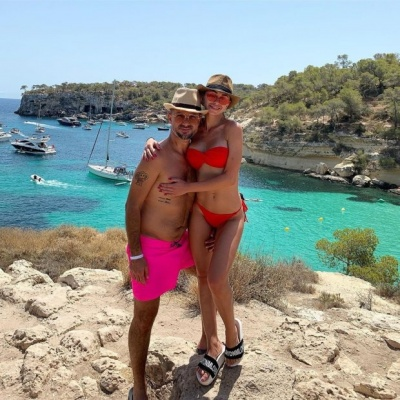 Не пройшло й року: екс-чоловік Ані Лорак опублікував фото з відпочинку з новою обраницею