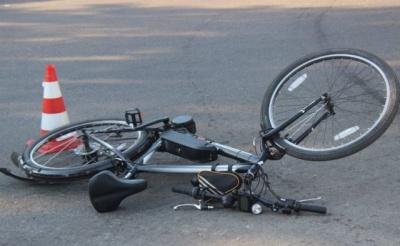На Буковині легковик збив 14-річного хлопця на велосипеді