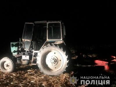 Дитина потрапила під трактор: у поліції розповіли деталі нещасного випадку на Буковині