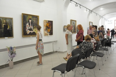 У Чернівцях до Дня Незалежності у «Вернісажі» відкриють виставку