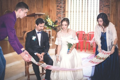 «Нас поєднала любов до авантюр»: українсько-африканське весілля у Камбоджі