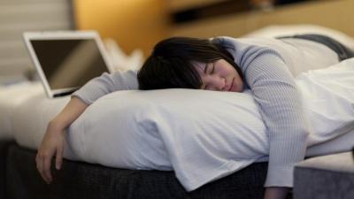 Шкідливі звички, які псують сон людини