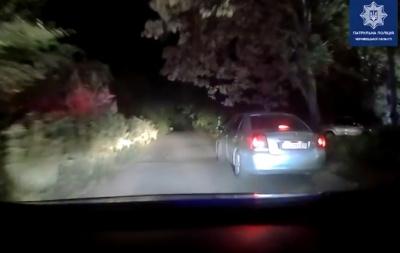 У Чернівцях водій під кайфом і без прав утікав від патрульних