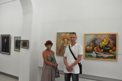 Про війну і кіборгів: у «Вернісажі» відкрили виставку до Дня Незалежності