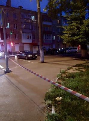 """У Чернігові злочинці заради """"Ланоса"""" застрелили чоловіка та жінку"""
