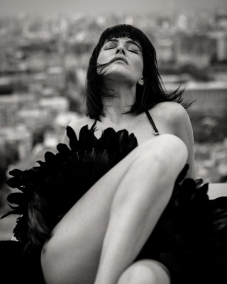 Даша Астаф'єва знялася в сексуальній фотосесії на даху