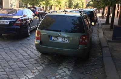 Обшанський обіцяє провчити «героїв парковок» у Чернівцях