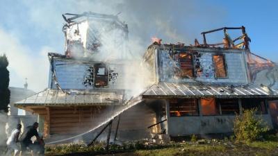 На Прикарпатті вщент згоріла церква – фото
