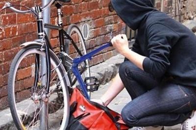 У Чернівцях заарештували серійного злодія: скоїв 4 крадіжки за літо
