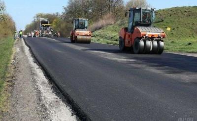 Уряд виділив понад 174 млн грн на ремонт траси «Житомир–Чернівці», – Гройсман