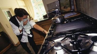 Не ходіть із сірниками: що робити, якщо відчули запах газу вдома