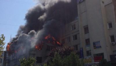 Масштабна пожежа на Одещині: горить дитячий розважальний центр та караоке-клуб - відео