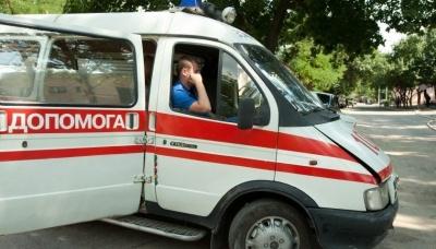 На Буковині пенсіонер загинув під час демонтажу колеса вантажівки, ще один травмований – у лікарні