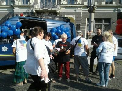 В Черновцах более ста человек бежали 5 км в память о погибших воинах - фото