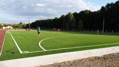 На Буковині відкрили футбольне поле вартістю близько трьох мільйонів гривень