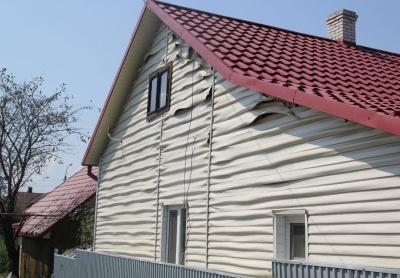 На Буковині горів гараж приватного господарства - фото