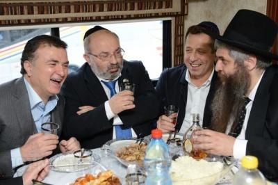 Анекдот дня: про єврейське весілля
