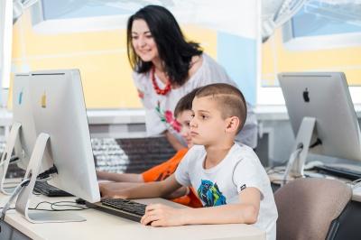 Що і де потрібно вивчати дитині в 9, щоб у 14 заробляти більше ніж батьки? (на правах реклами)