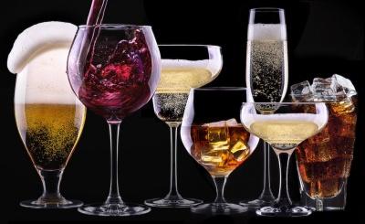 Названо 5 особливо небезпечних для організму людини алкогольних напоїв