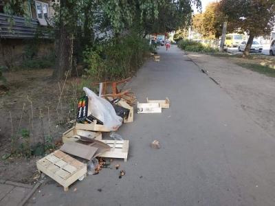 Обшанський розігнав «стихійників» на вулиці Комарова біля ринку «Нива»