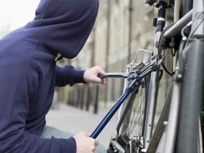 У Чернівцях чоловік викрав велосипед із під'їзду багатоповерхівки і продав
