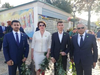 «Слуги народу» з Буковини перед першим засіданням ВР вшанували захисників України