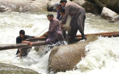У Пакистані обвалився міст, загинули люди