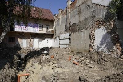У Чернівцях забудовника оштрафували за будівництво без документів у центрі міста