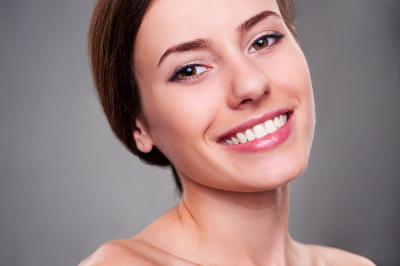 Як досягти блискучої посмішки