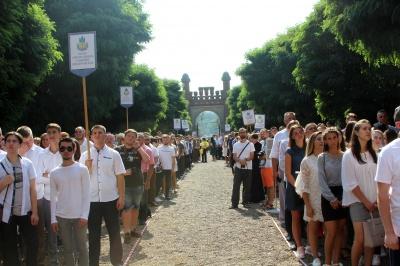 У Чернівцях дві тисячі першокурсників ЧНУ прийняли присягу студента – фото