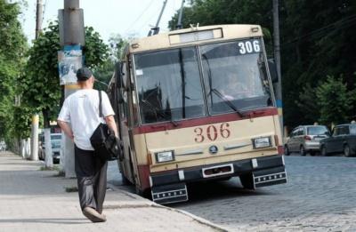 Громадський транспорт Чернівців перейшов у роботу в посиленому режимі