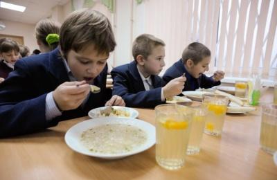 У Чернівцях 18 шкіл і дитсадків залишаються без харчування дітей