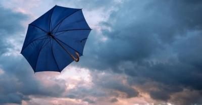 На Буковину насувається гроза і сильний вітер