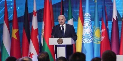 """Лукашенко заявив, що наглухо закрив кордон з Україною через """"потік зброї"""""""