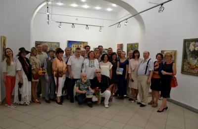 Яскрава виставка Марини Рибачук відкрилася у «Вернісажі»