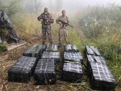 На Буковині з пострілами затримали контрабанду сигарет на майже пів мільйона