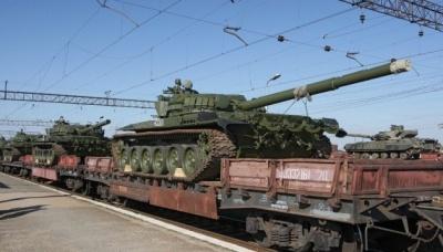 Розвідка: Росія продовжує перекидати на Донбас танки, САУ та міномети