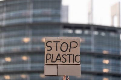 У Німеччині з наступного року заборонять пластикові пакети