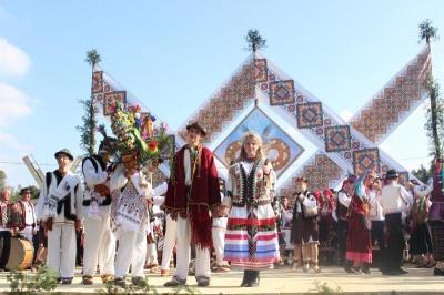 До Чернівців на свято «Осінь весільна» приїде колектив з Ніжина