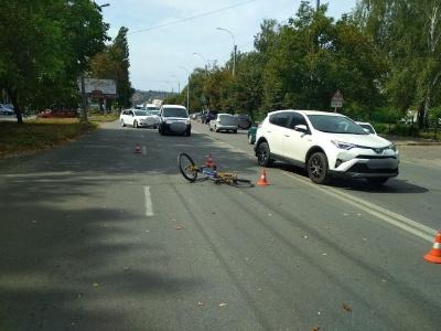 У Чернівцях водій на «Опелі» збив 10-річного велосипедиста