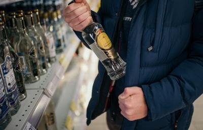 У Чернівцях чоловік викрав з супермаркету спиртне – отримав домашній арешт