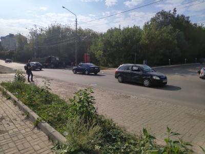У Чернівцях вантажівка зіткнулась із легковиком – постраждала одна людина