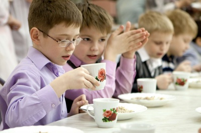 Виконком Чернівців хоче встановити нову вартість харчування дітей у школах