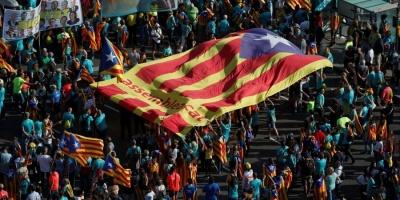 У Барселоні сотні тисяч людей мітингували на підтримку незалежності Каталонії