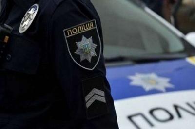 На Буковині суд виніс вирок жінці, яка вдарила поліцейську ногою в обличчя