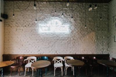 Де в Чернівцях можна поснідати з 8 ранку? (на правах реклами)