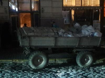 Знищення «Української книги»: австрійську цеглу з приміщення таємно вивозять вечорами
